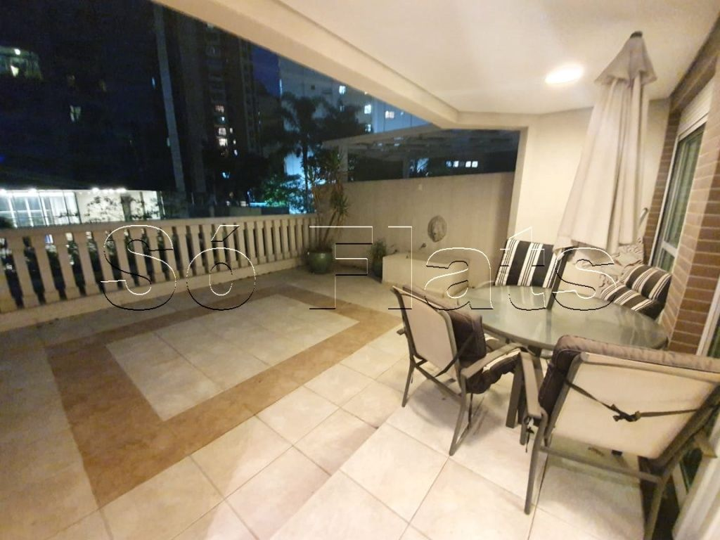 Flat de 3 dormitórios à venda em Vila Olímpia, São Paulo - SP