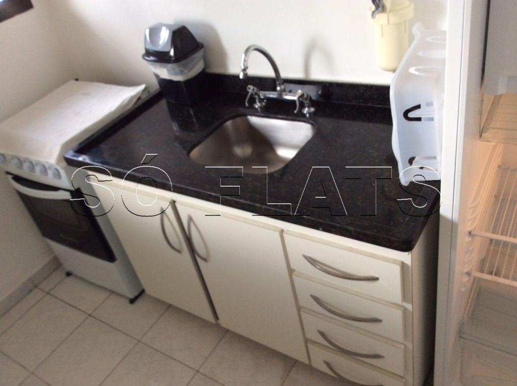 Flat de 2 dormitórios em Moema, São Paulo - SP