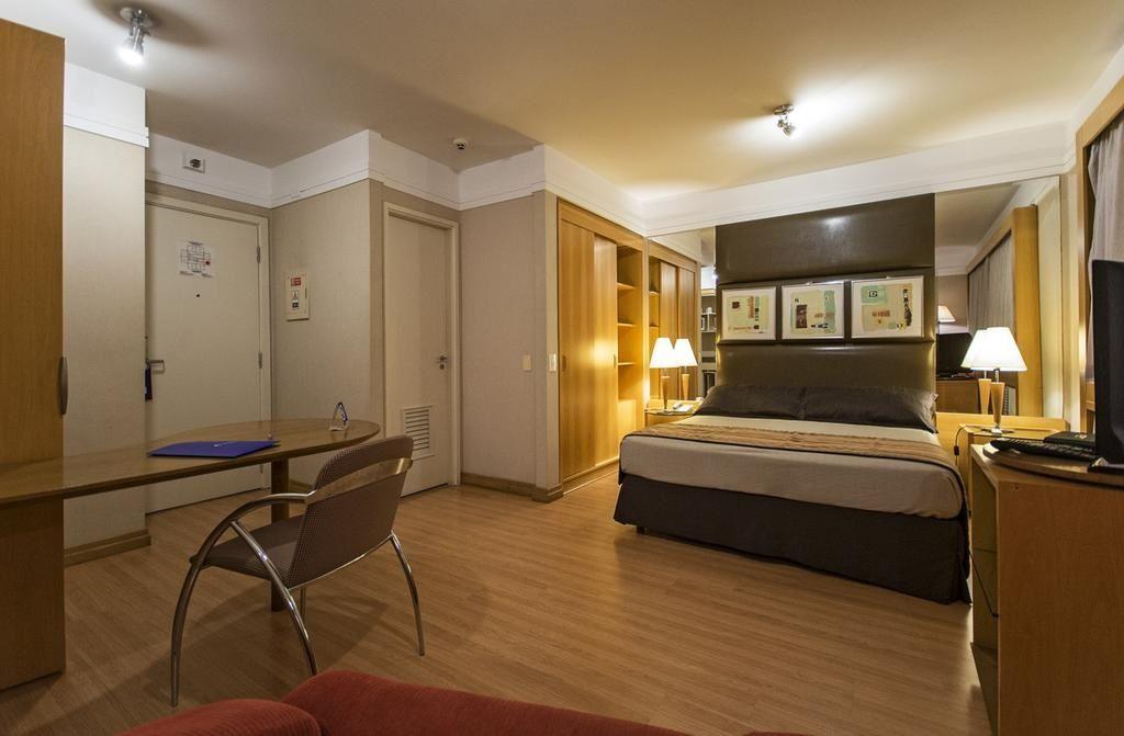 Flat de 2 dormitórios em Consolação, São Paulo - SP