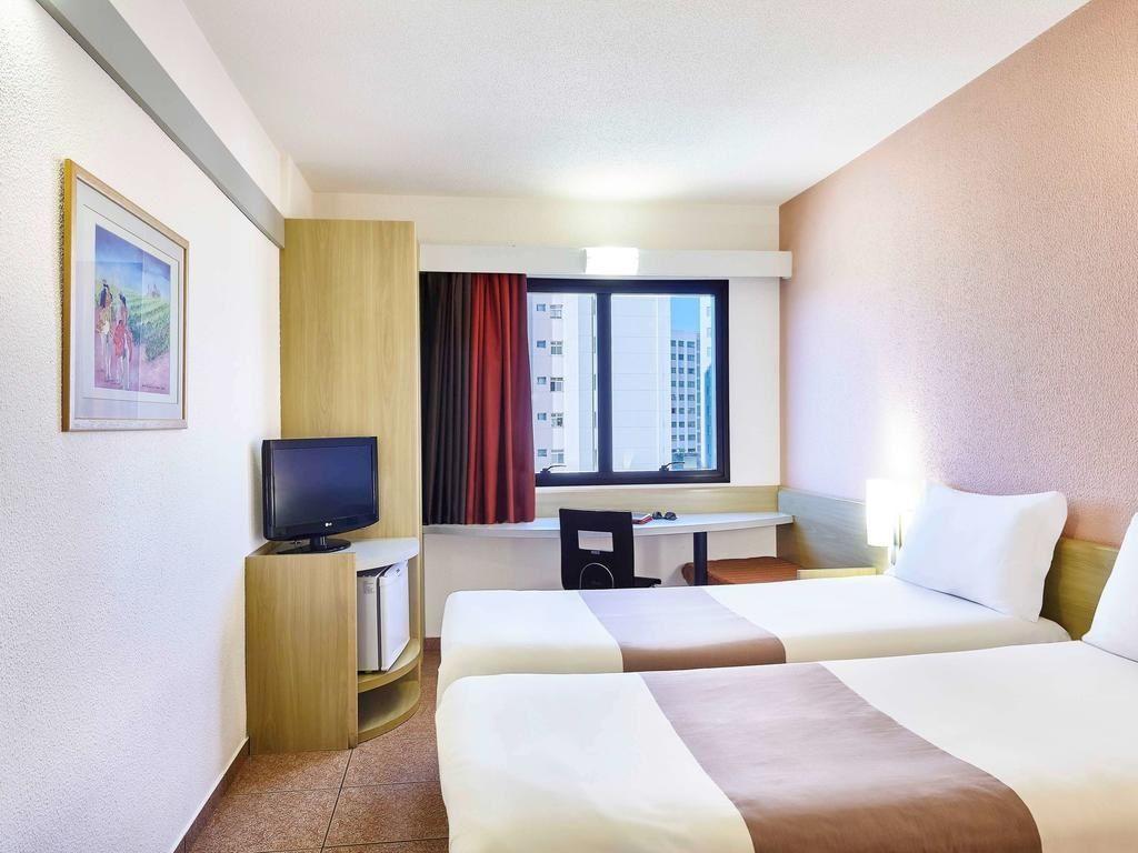 Flat de 1 dormitório à venda em Vila Jaboticabeira, Taubaté - SP