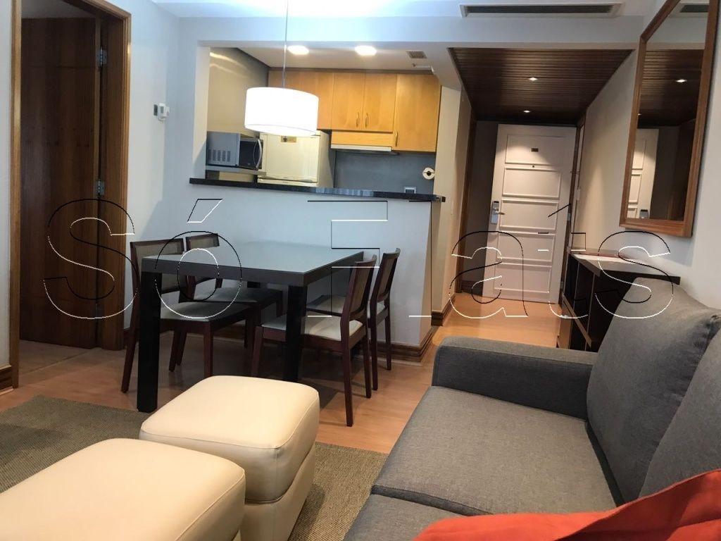 Flat de 2 dormitórios em Pinheiros, São Paulo - SP