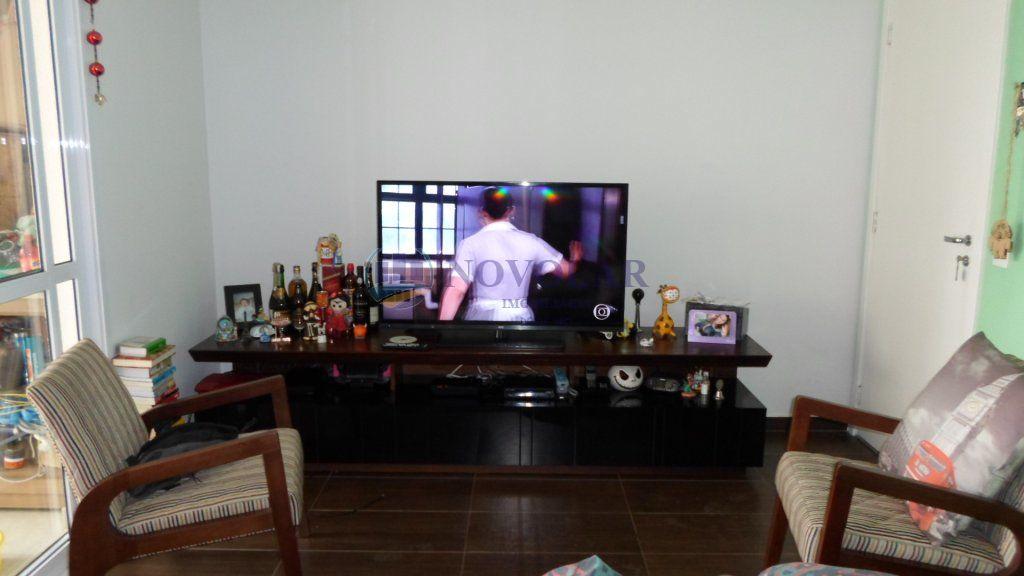 Apartamento para Locação - Vila Galvão