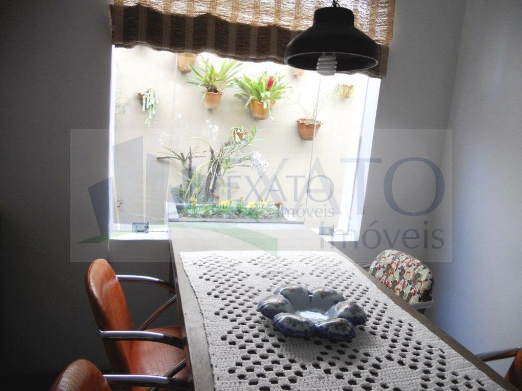 Casa de 3 dormitórios à venda em Jardim Luzitânia, São Paulo - SP