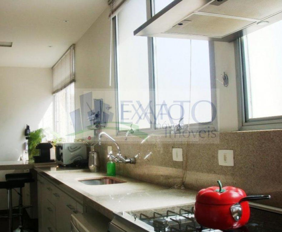 Apartamento de 4 dormitórios à venda em Jardim América, São Paulo - SP