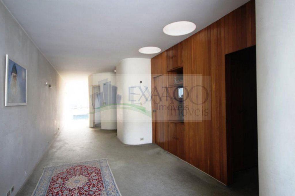 Casa de 10 dormitórios à venda em Moema, São Paulo - SP
