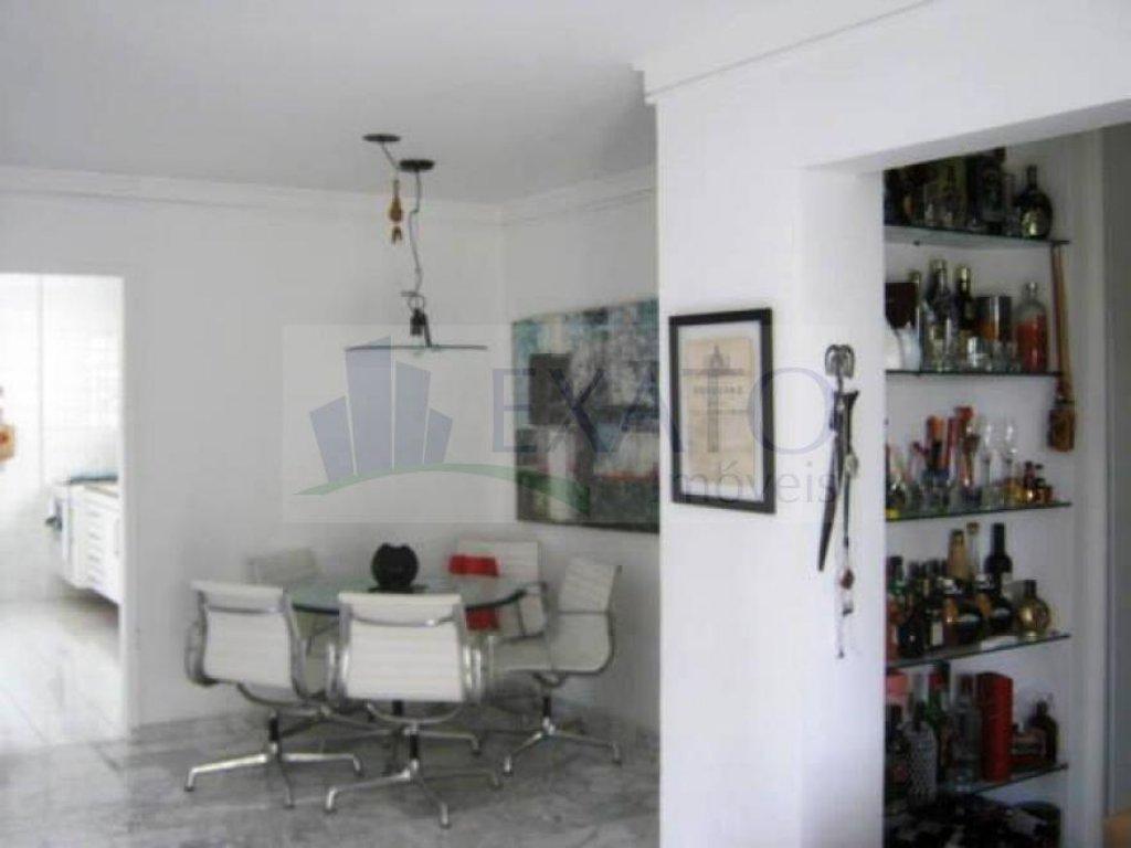 Cobertura de 2 dormitórios em Moema, São Paulo - SP