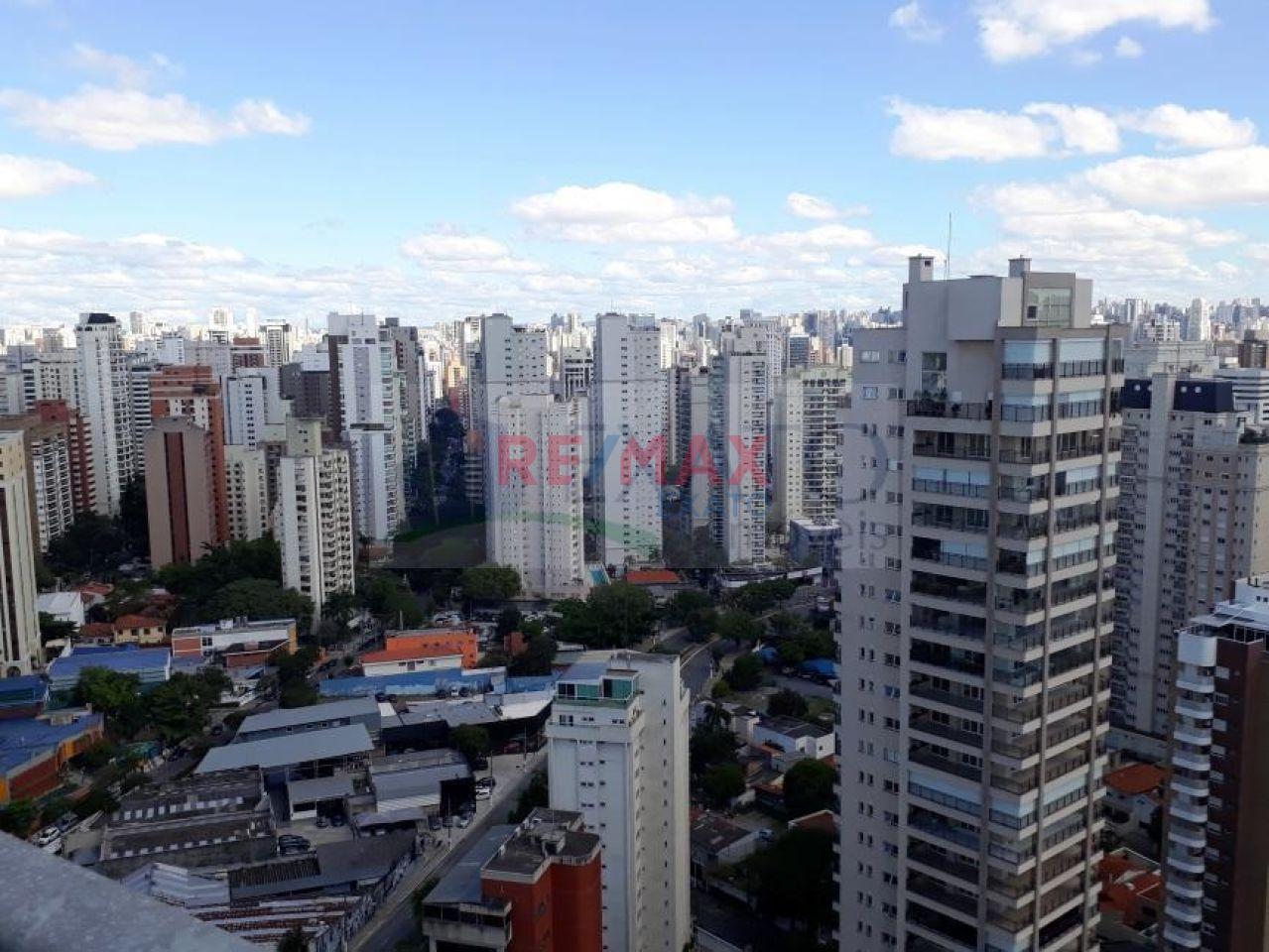 Cobertura de 5 dormitórios à venda em Vila Nova Conceição, São Paulo - SP