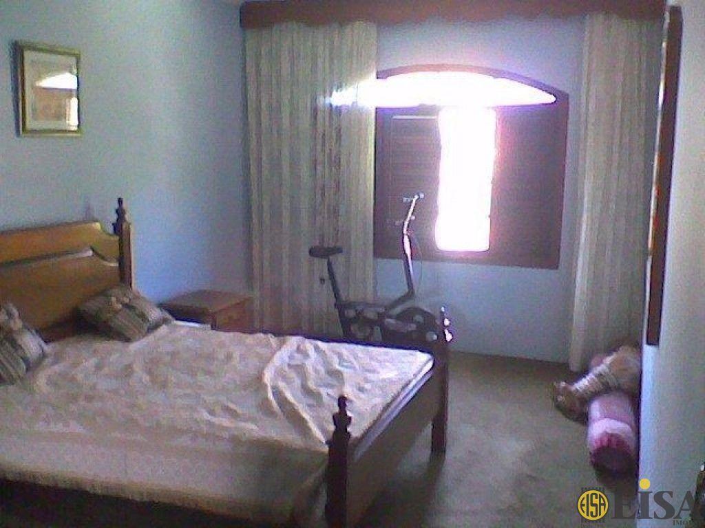 Casa Comercial de 4 dormitórios em Horto Florestal, Sã?o Paulo - SP