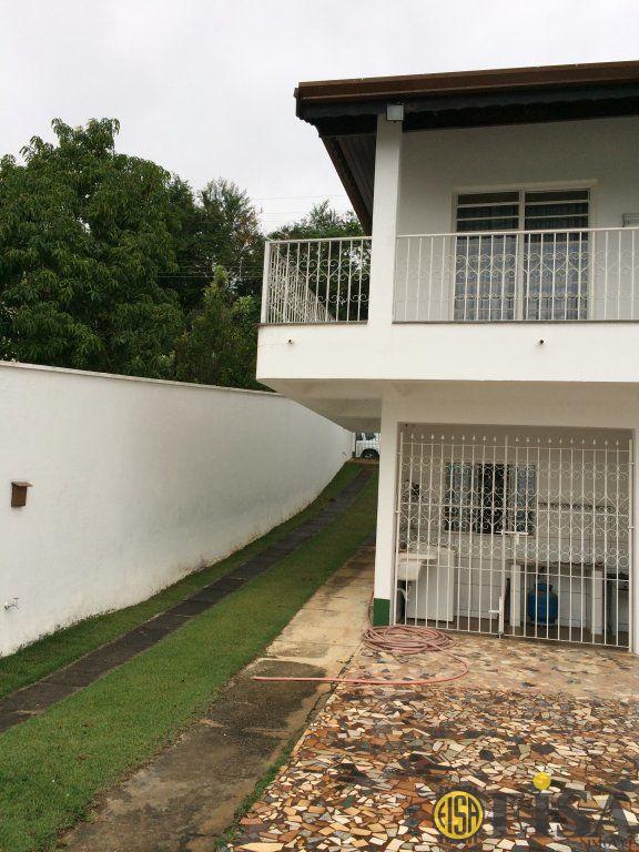 Chã¡cara de 3 dormitórios em Parque Piracema, Atibaia - SP