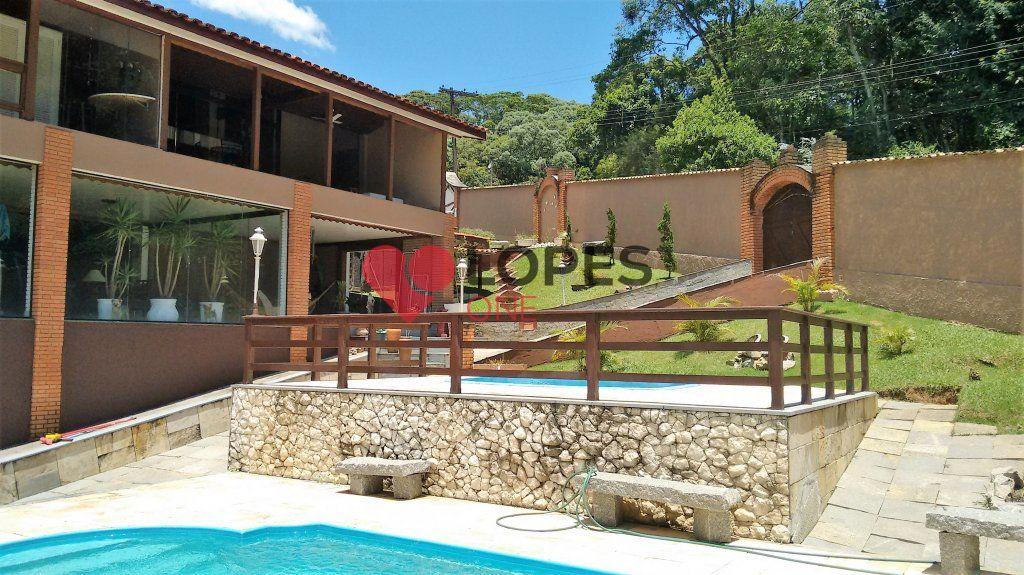 Mansão em condomínio fechado, Serra da Cantareira, alto padrão.