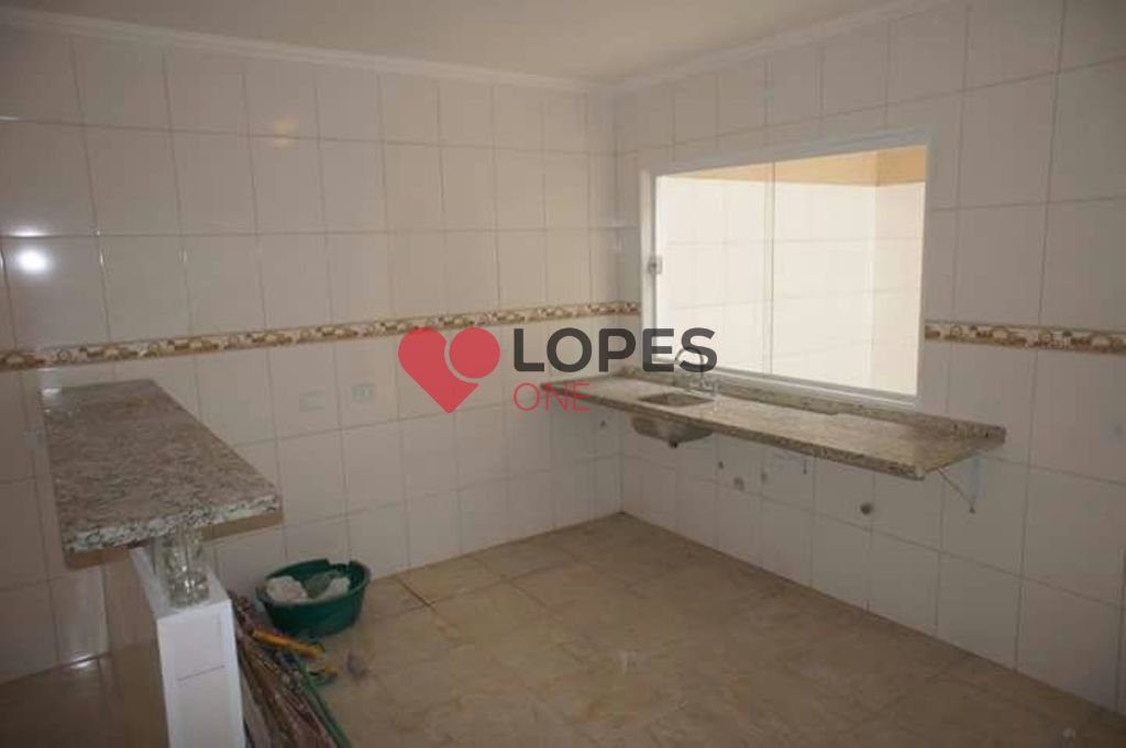 Sobrado novo à venda na Vila Galvão com 3 dormitórios