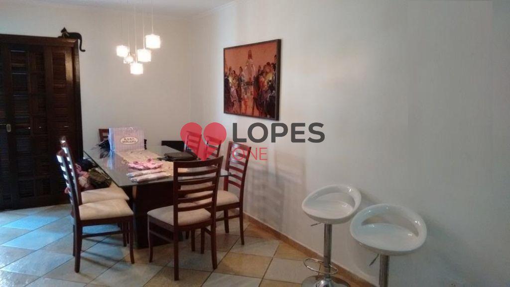 Ótima casa assobradada à venda em Santo André, bem distribuído e amplo