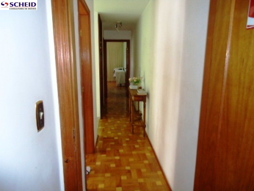 Casa de 3 dormitórios à venda em Jardim Aeroporto, São Paulo - SP