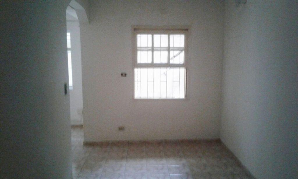 Casa Térrea para Locação - Santa Teresinha
