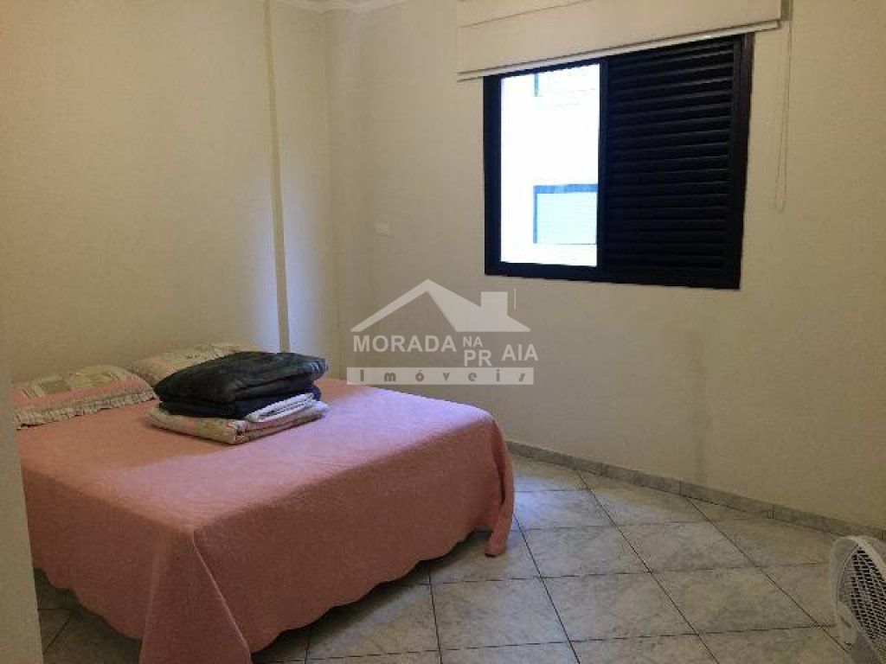 Ssuíte 01 do apartamento com 3 dormitórios em CANTO DO FORTE - PRAIA GRANDE