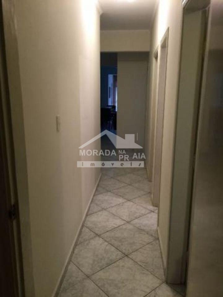 Corredor do apartamento com 3 dormitórios em CANTO DO FORTE - PRAIA GRANDE