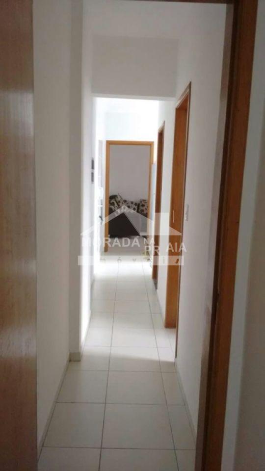 Corredor do apartamento com 2 dormitórios em CANTO DO FORTE - PRAIA GRANDE