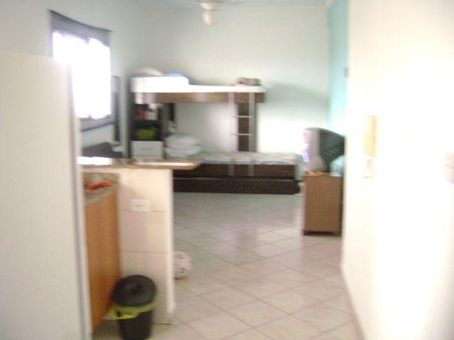 Sala  do kitinet com 1 dormitórios em TUPI - PRAIA GRANDE