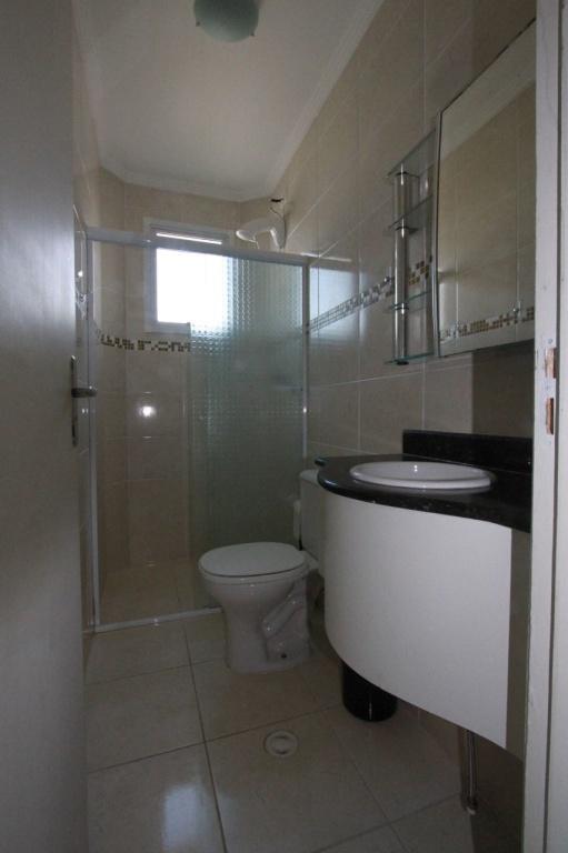 Wc do apartamento com 2 dormitórios em MIRIM - PRAIA GRANDE