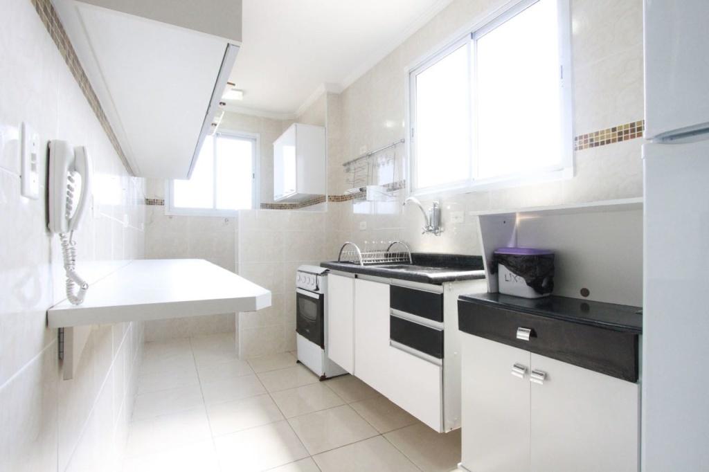 Cozinha do apartamento com 2 dormitórios em MIRIM - PRAIA GRANDE
