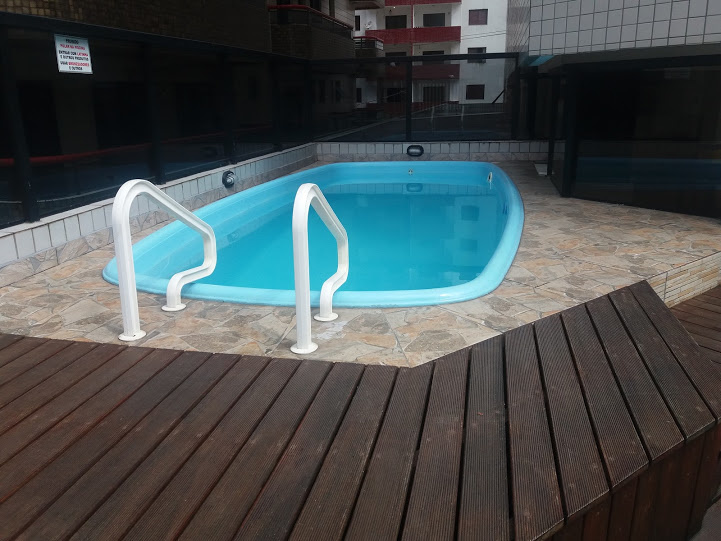 Piscina do apartamento com 2 dormitórios em TUPI - PRAIA GRANDE