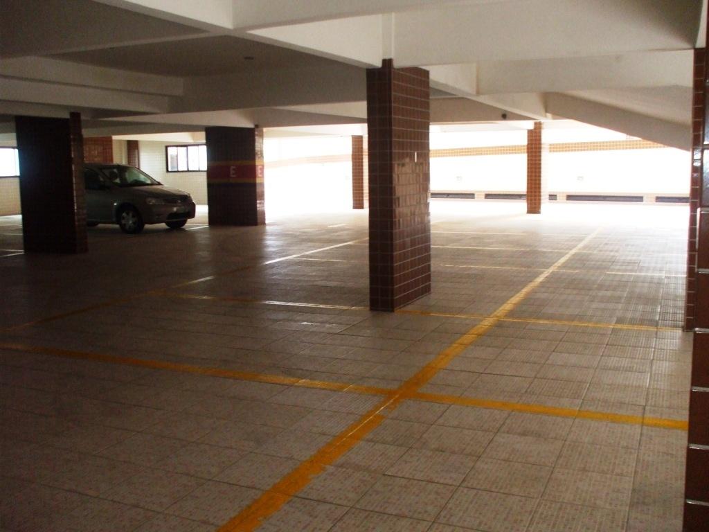 Garagem do apartamento com 3 dormitórios em AVIAÇÃO - PRAIA GRANDE