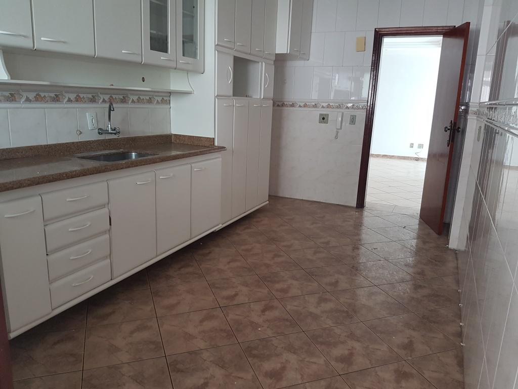 Cozinha ang 02 do apartamento com 3 dormitórios em AVIAÇÃO - PRAIA GRANDE