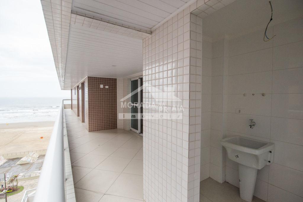 Vista Sacada do apartamento com 3 dormitórios em AVIAÇÃO - PRAIA GRANDE