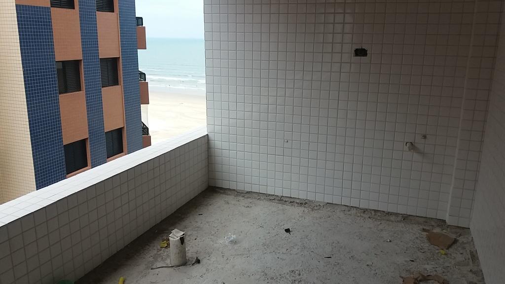 Sacada do apartamento com 2 dormitórios em AVIAÇÃO - PRAIA GRANDE