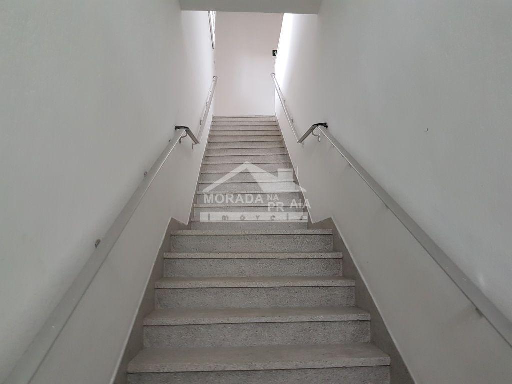 Escada do sala com 0 dormitórios em JARDIM GLÓRIA - PRAIA GRANDE