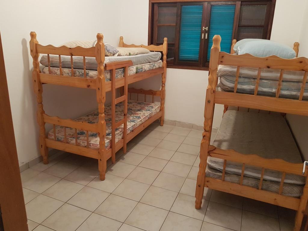 Dormitório do casa geminada com 2 dormitórios em CANTO DO FORTE - PRAIA GRANDE