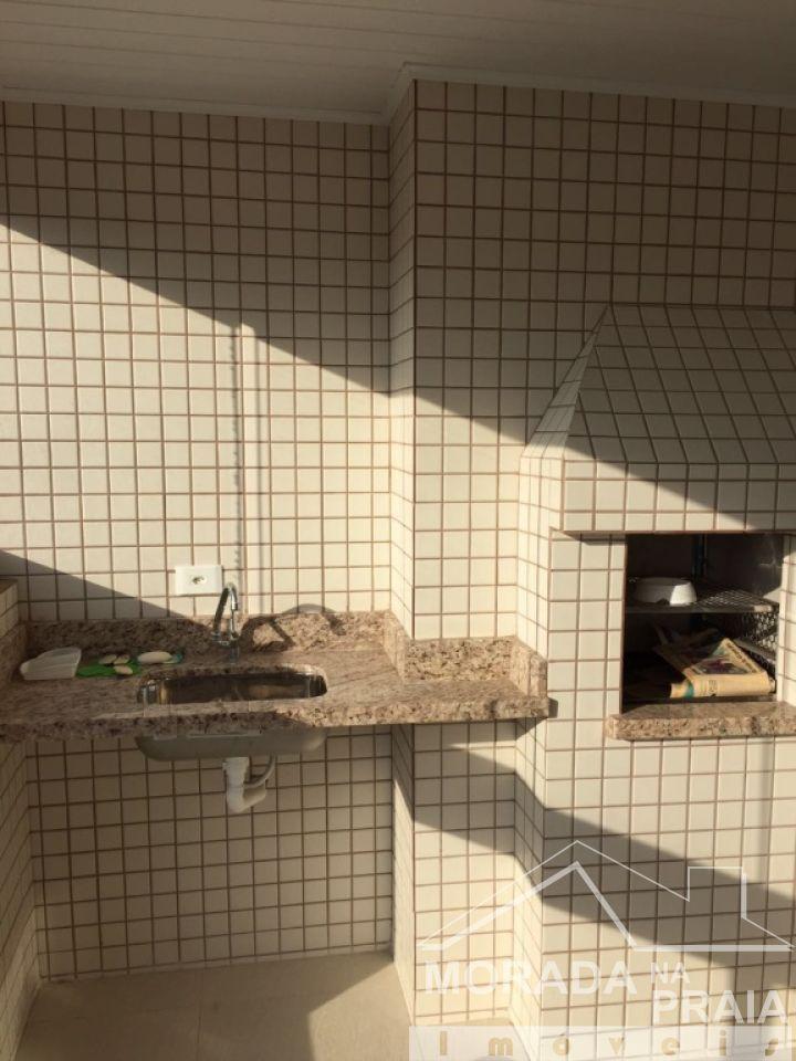 Churrasqueira e pia do apartamento com 2 dormitórios em Boqueirão - Praia Grande