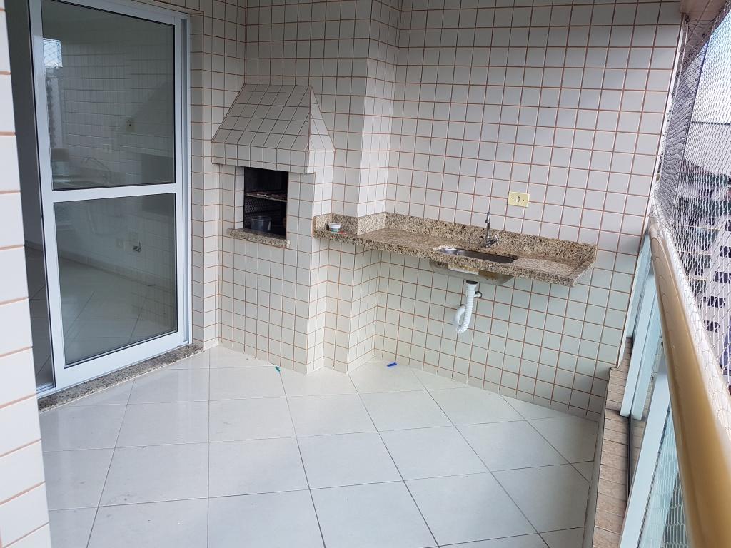 Churrasqueira e pia do apartamento com 2 dormitórios em TUPI - PRAIA GRANDE