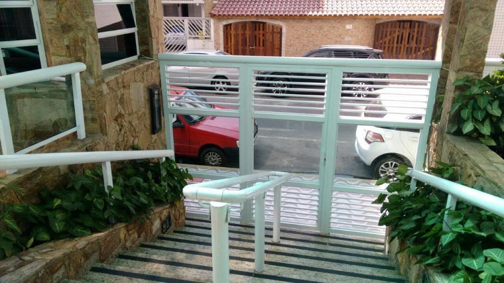 Fachada do apartamento com 2 dormitórios em OCIAN - PRAIA GRANDE