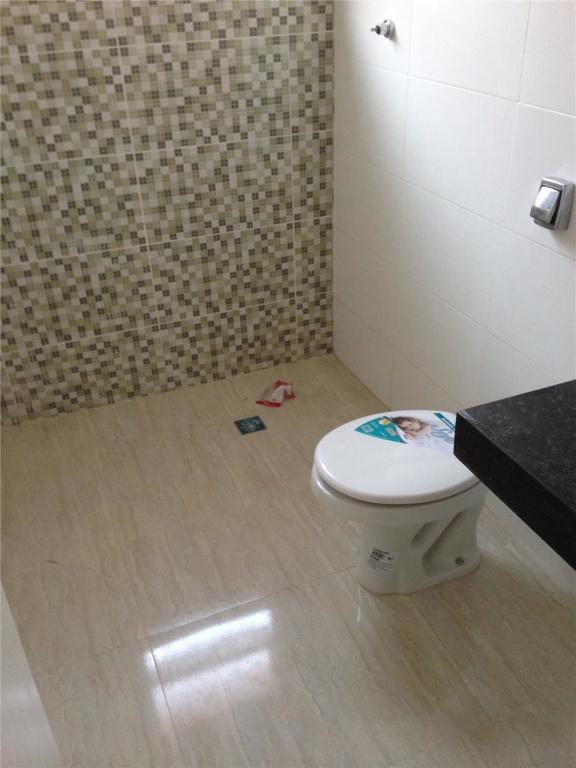 WC social do casa geminada com 3 dormitórios em CANTO DO FORTE - PRAIA GRANDE