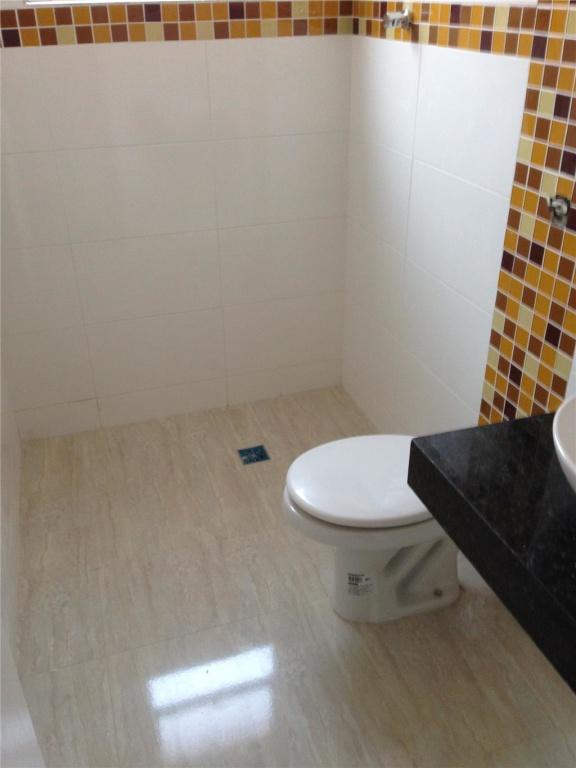 WC suíte do casa geminada com 3 dormitórios em CANTO DO FORTE - PRAIA GRANDE