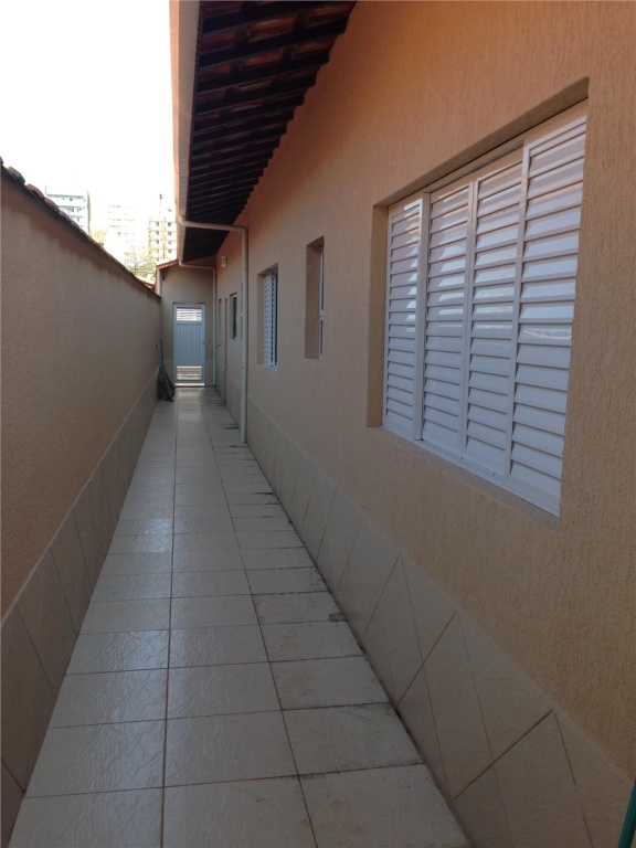 Corredor ang 02 do casa geminada com 3 dormitórios em CANTO DO FORTE - PRAIA GRANDE