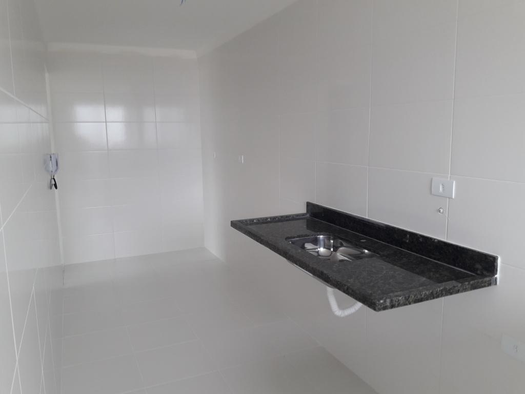 Cozinha do apartamento com 2 dormitórios em CANTO DO FORTE - PRAIA GRANDE