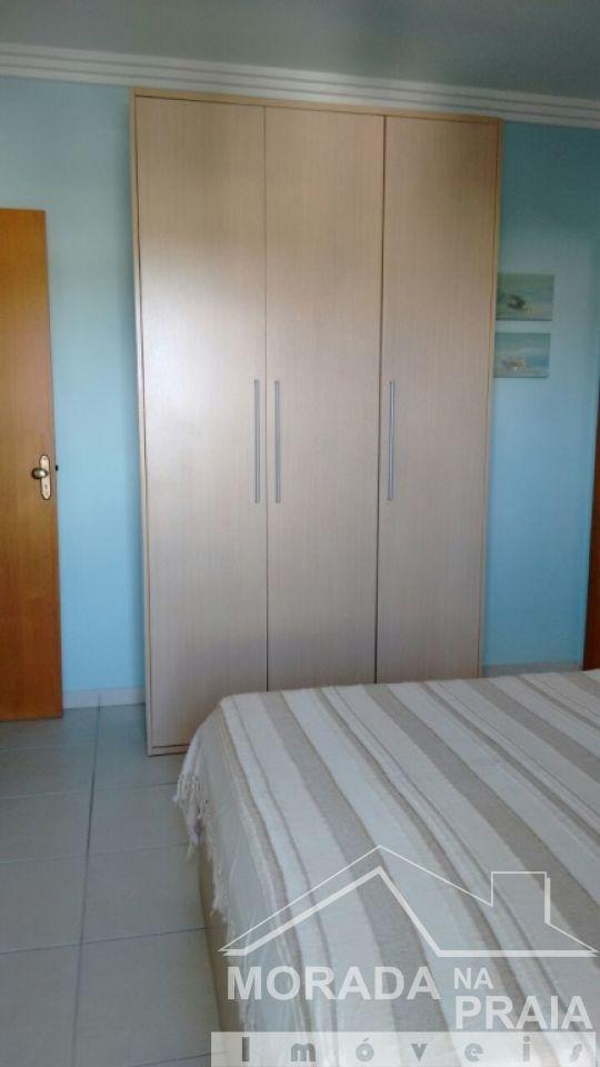Suíte ang 03 do apartamento com 2 dormitórios em CANTO DO FORTE - PRAIA GRANDE