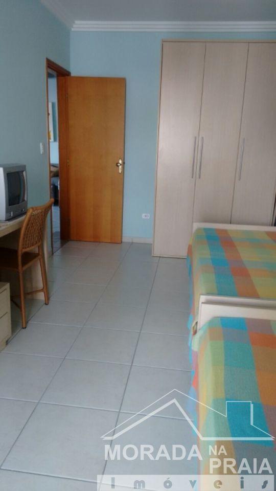 Dormitório ang 02 do apartamento com 2 dormitórios em CANTO DO FORTE - PRAIA GRANDE
