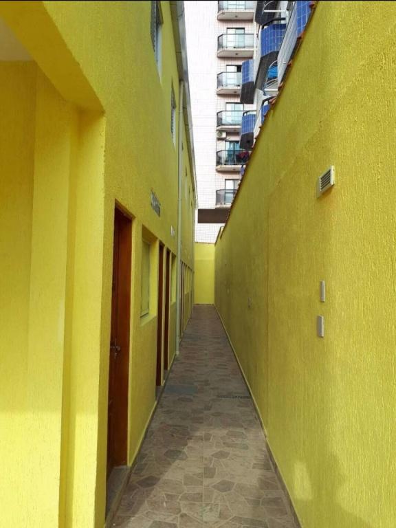 Hall de entrada do condomínio fechado com 2 dormitórios em TUPI - PRAIA GRANDE