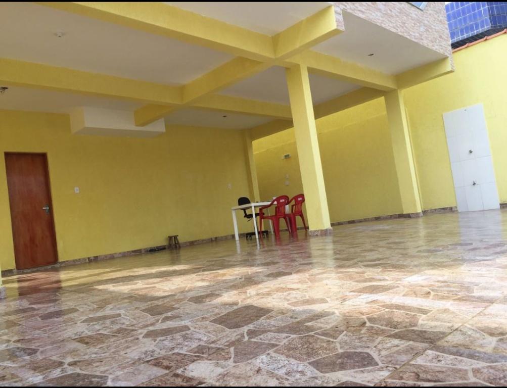 Garagem do condomínio fechado com 2 dormitórios em TUPI - PRAIA GRANDE
