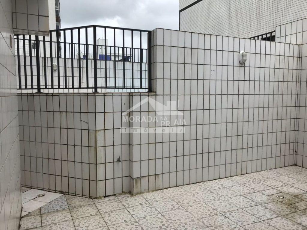 Vista para a piscina do apartamento com 2 dormitórios em CANTO DO FORTE - PRAIA GRANDE
