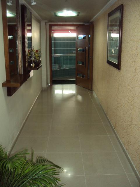 Sacada da sala do apartamento com 1 dormitórios em BOQUEIRÃO - PRAIA GRANDE