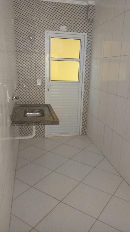 Cozinha do condomínio fechado com 2 dormitórios em Jardim Melvi - Praia Grande