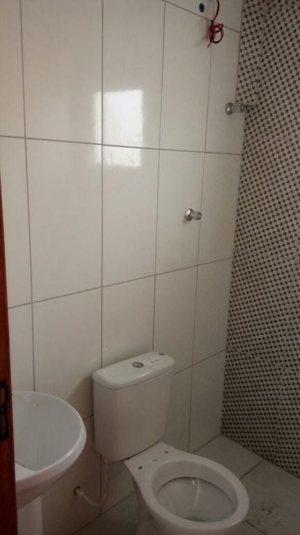 WC social do condomínio fechado com 2 dormitórios em Jardim Melvi - Praia Grande