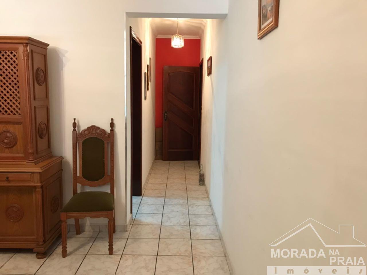 Corredor de entrada vista de d do apartamento com 2 dormitórios em CANTO DO FORTE - PRAIA GRANDE