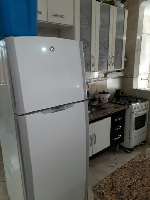 Cozinha do apartamento com 1 dormitórios em MIRIM - PRAIA GRANDE