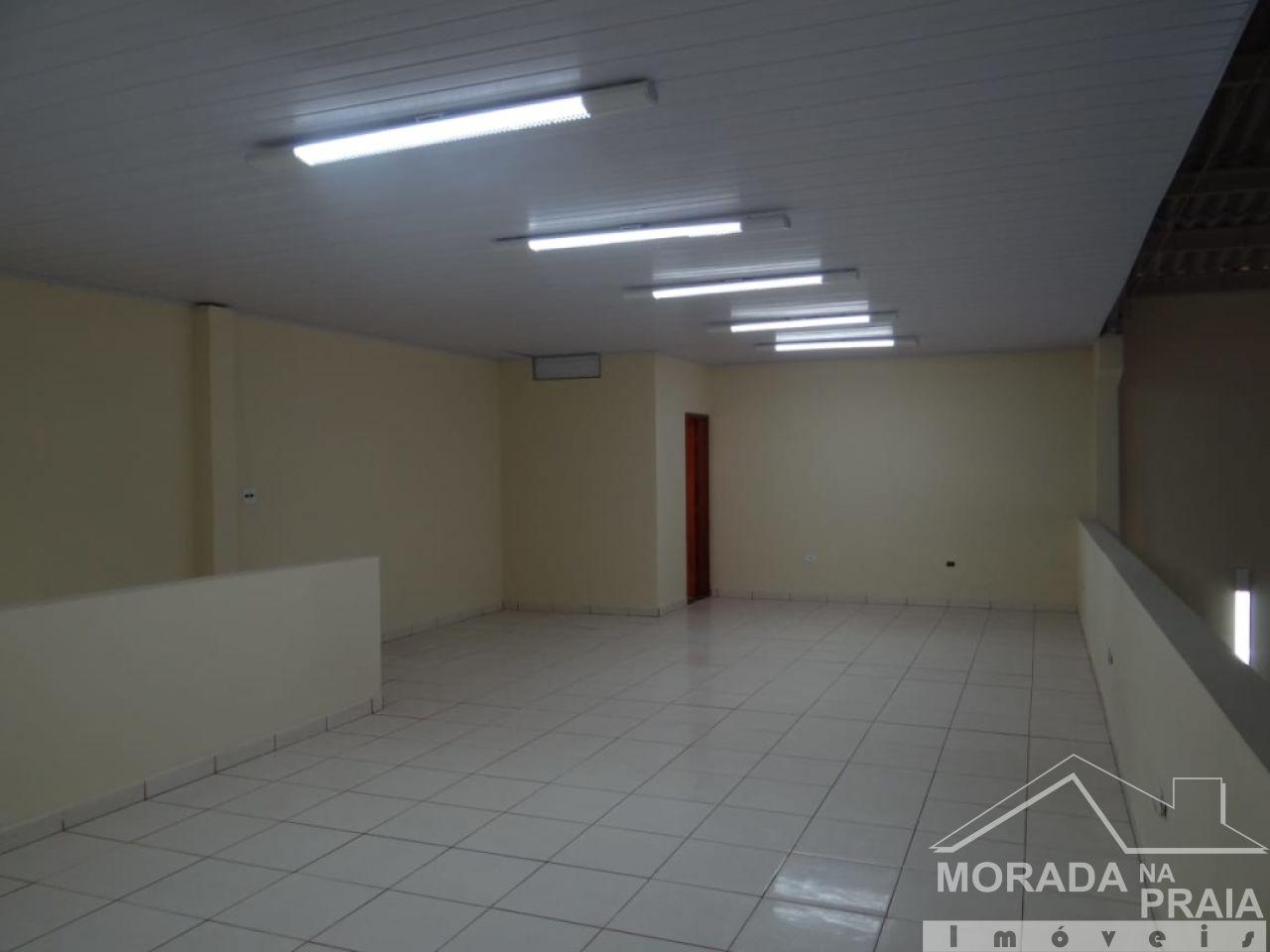 Escritório do galpão com  dormitórios em Vila Guilhermina - Praia Grande