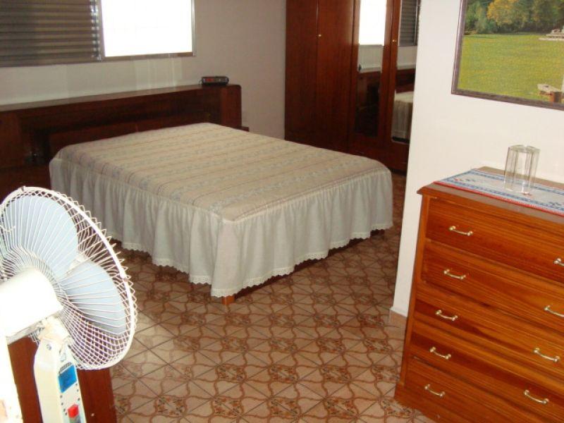 Suíte 03 do casa geminada com 3 dormitórios em GUILHERMINA - PRAIA GRANDE